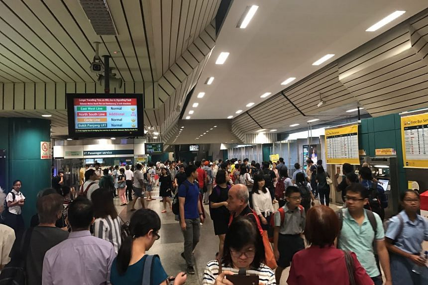 The crowd at Ang Mo Kio MRT station at about 7.20am on Aug 18, 2017.