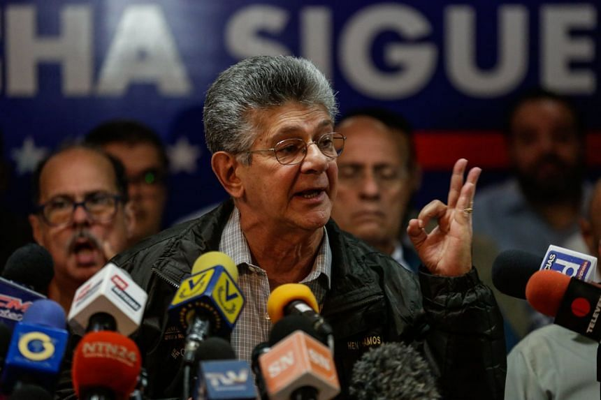 National Assembly deputy Henry Ramos Allup takes part in a press conference in Caracas, Venezuela, Aug 17, 2017.