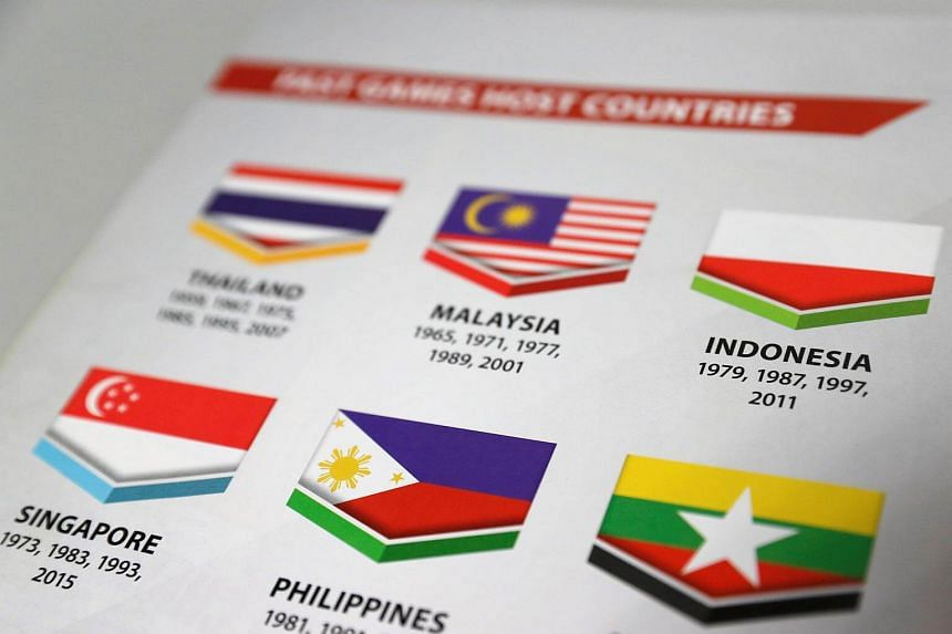 A copy of the SEA Games Opening Ceremony guidebook shows a misprinted Indonesian flag.