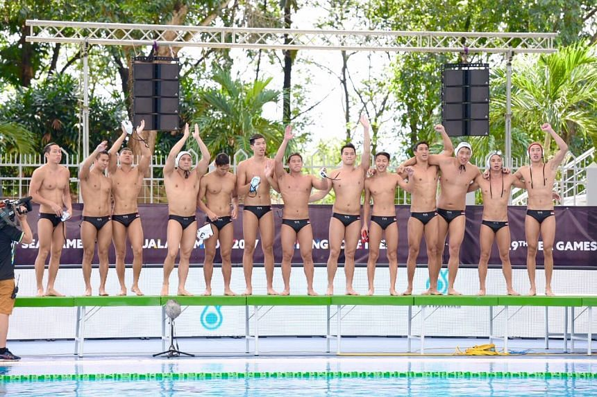 Singapore's water polo men thanking their supporters on Aug 20, 2017.