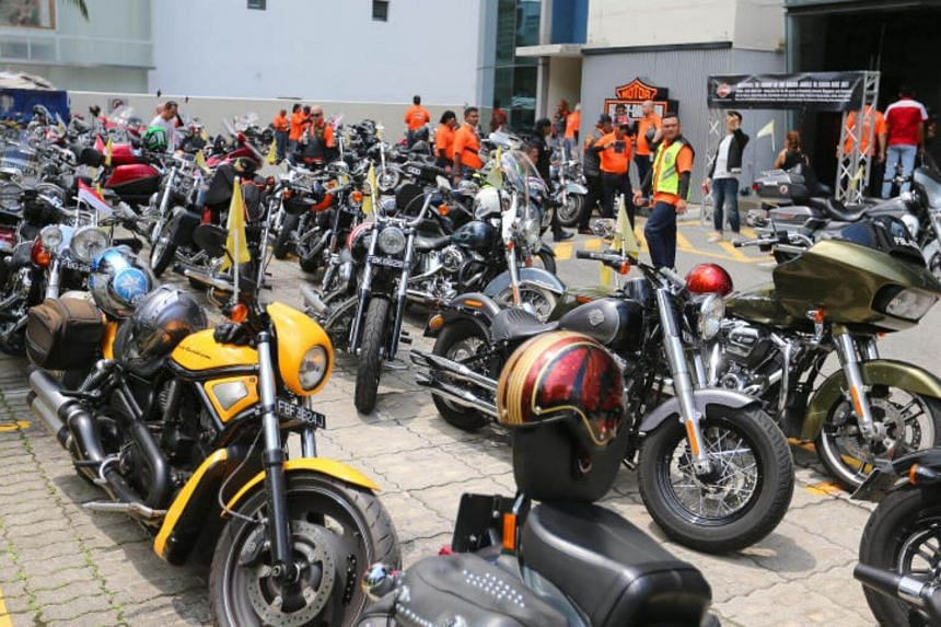 Escorted by several police officers and road marshals, the long convoy of motorcycles travelled more than 50km around the island to celebrate 50 years of diplomatic relations between Singapore and Indonesia, and to raise funds for disaster relief.