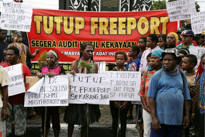Papuanese earlier rallied against Freeport in Timika on March 20, 2017, halting production for about a week.