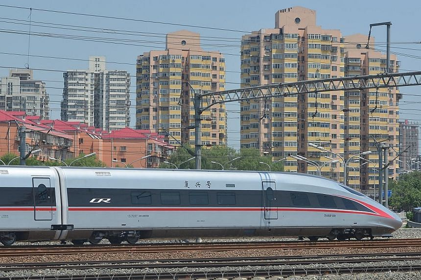 The Fuxing train is expected to operate on the Beijing-Shanghai high-speed railway line from Sept 21, at a speed of 350kmh. It will cut travel time between the two cities from six hours to 4½ hours.