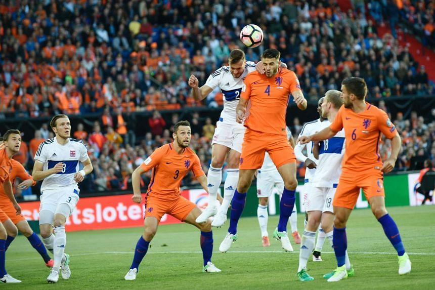 Hoedt (centre, right) during a World Cup 2018 qualifier between the Netherlands and Luxembourg.