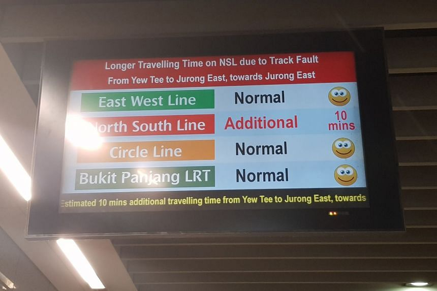 A notice at Jurong East MRT station informing commuters of the delay on the North-South Line.