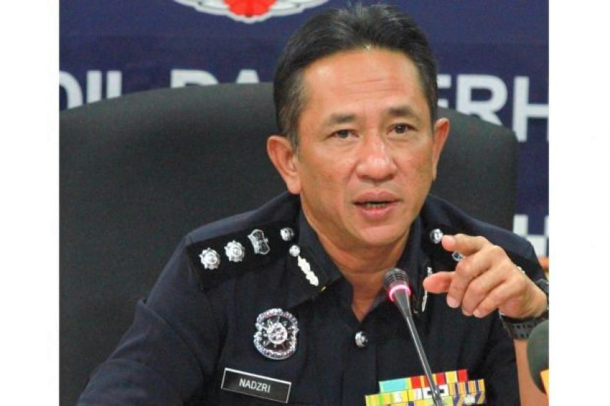 Kuala Lumpur traffic chief Assistant Commissioner Mohd Nadzri Hussain said the 23-year-old mechanic had allegedly kicked the left side mirror of a car as both vehicles were travelling on the highway towards the capital.