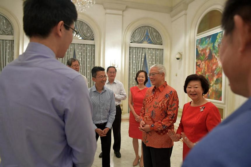 President Tony Tan and Mrs Mary Tan take time to speak with current and former staff of President's Office. President Tony Tan and Mrs Mary Tan host a dinner to show their appreciation for about 190 staff and former staff of President's Office, Secur