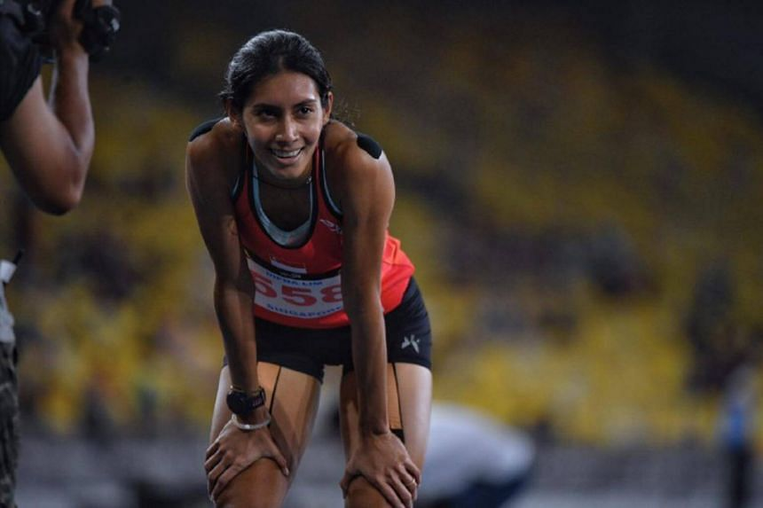 Dipna Lim-Prasad in second place at the SEA Games women's 400m final.