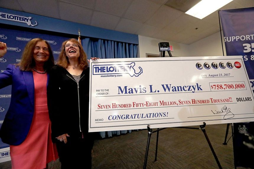 Mavis Wanczyk (right) came forward to claim the largest single jackpot win in US history.