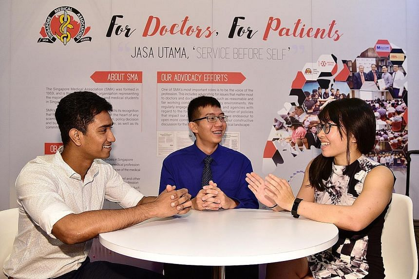 Mr Sundheep Subramani (left) from NTU's Lee Kong Chian School of Medicine, seen here with students Ng Guan Yee (centre) from Duke-NUS Medical School and Ong Seeu Kun from National University of Singapore's Yong Loo Lin School of Medicine, says all wo