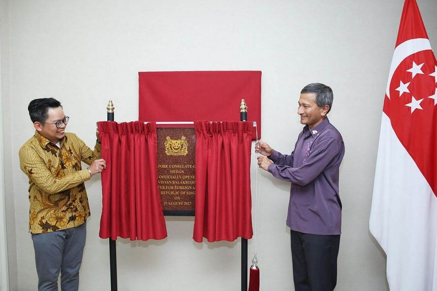Foreign Minister Vivian Balakrishnan officiated at a ceremony to upgrade the status of the Singapore consulate in Medan on Tuesday (Aug 29).
