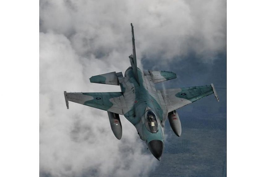 Twenty F-16 aircraft from the Republic of Singapore Air Force and the Indonesian Air Force will join up in the south-west of Singapore, before soaring past the bay area in two formations.