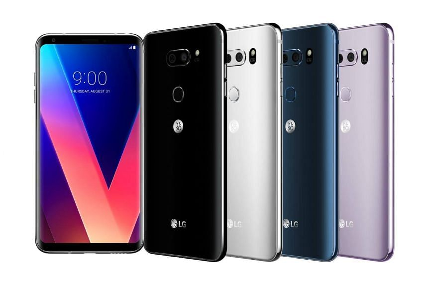 The new LG V30 is only 7.3mm thick and weighs only 158g.