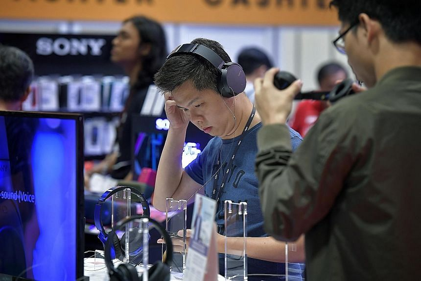 There is also a DIY Lab at Comex this year, where customers can build their own PCs. Used phones and laptops can be traded for cash vouchers.