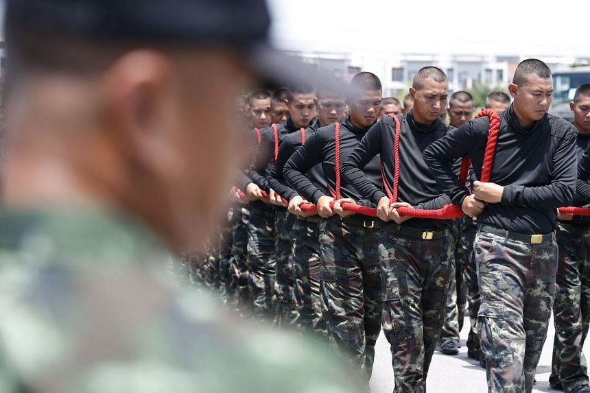 Thai soldiers train for the upcoming cremation ceremony of the late Thai King Bhumibol Adulyadej, Aug 31, 2017.