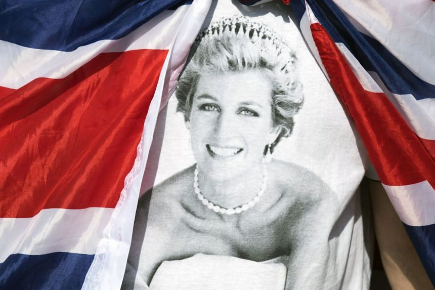 A tributes to Princess Diana outside the gates of Kensington Palace in London, Aug 31, 2017.