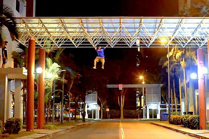 Parkour enthusiasts were seen on top of the glass dome roof of Simei's Eastpoint Mall in a video posted on Facebook and YouTube. The mall is reinforcing security measures and a spokesman said that a police report was made. The police said that invest