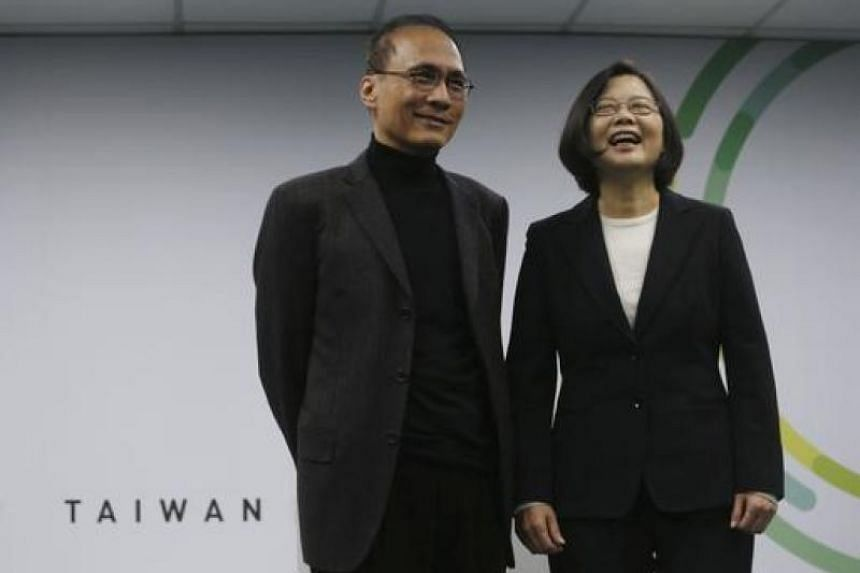 This file photo shows Taiwan President Tsai Ing-wen with Premier Lin Chuan on March 15, 2016.