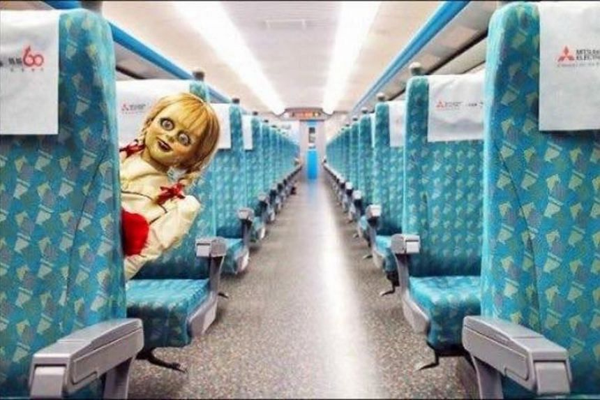 """The """"demon doll"""" Annabelle was photographed in trains in Taiwan."""
