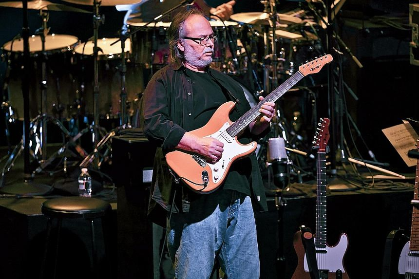 Walter Becker performing at Beacon Theatre in New York in 2011.