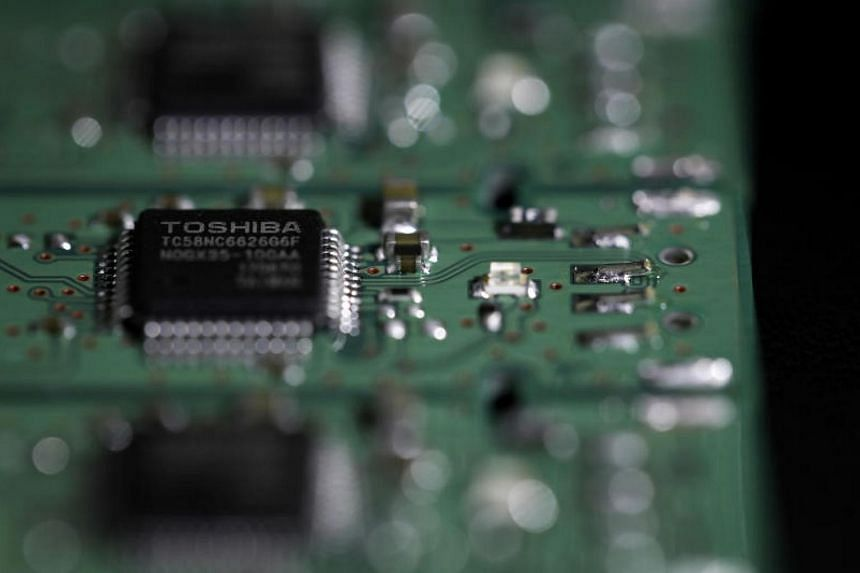 The move may help Toshiba finally seal a deal to sell the chip business after months of delays.