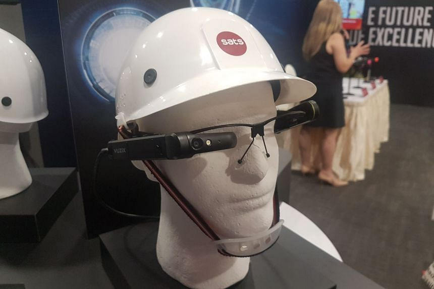 """The new """"smart glasses"""" which Sats will be using for its ramp-handling operations, which will allow staff to scan visual markers on baggage and cargo containers."""