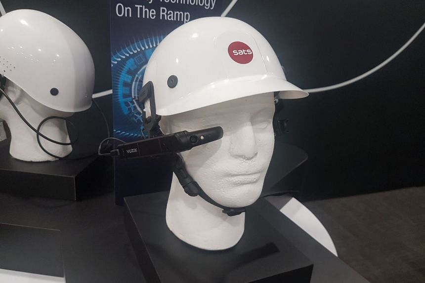 """The new """"smart glasses"""" which Sats will be using for its ramp-handling operations. They will be provided to about 600 of the firm's ramp handling staff."""