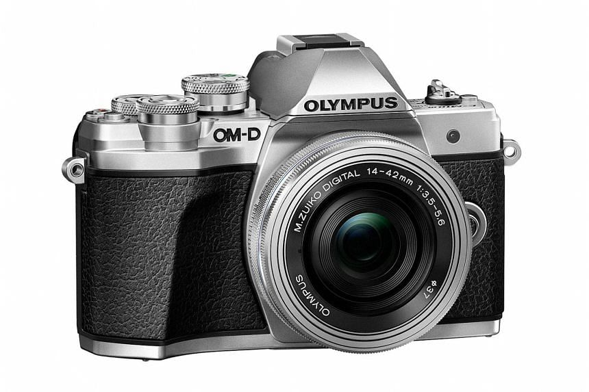 The Olympus OM-D E-M10 Mark III comes with lots of improvements over its predecessor and its metallic body is also well-built.