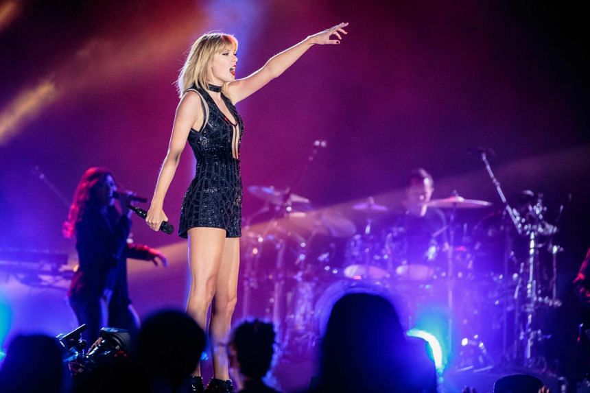 Taylor Swift performing at the Formula 1 United States Grand Prix at Circuit of The Americas in Austin, Texas, on Oct 21, 2016.
