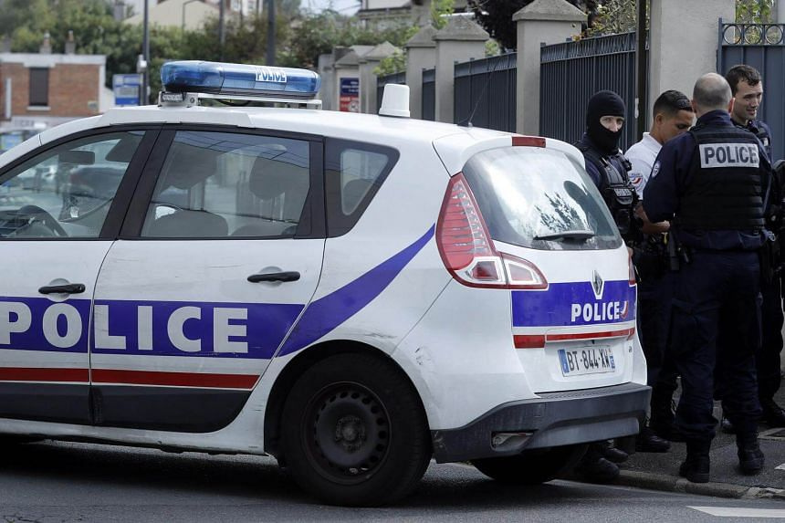Police conduct a counter-terrorism operation in the suburb of Villejuif, South of Paris, France on Sept 6, 2017.