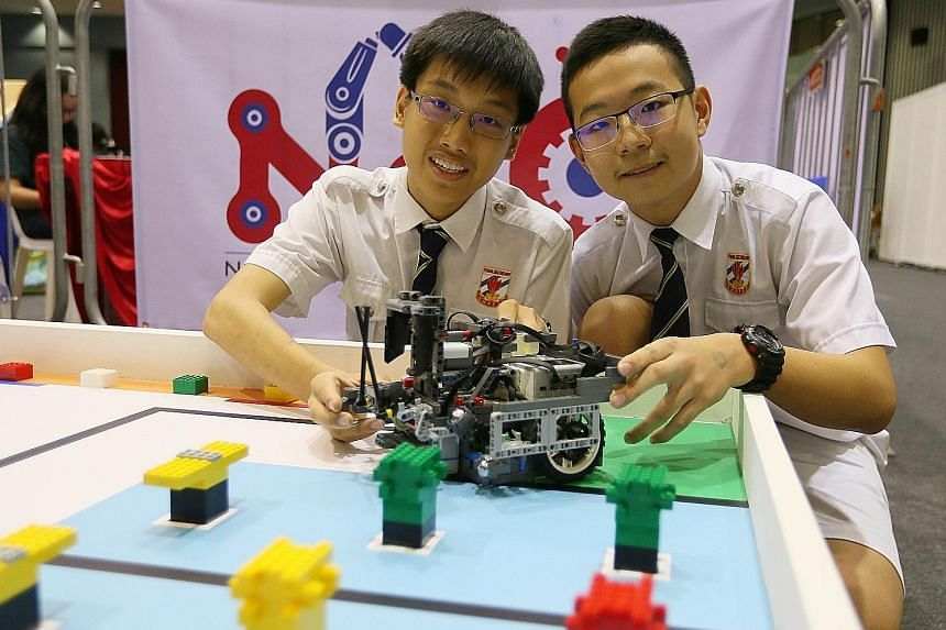 Grab-and-lift idea nabs win for robotics team, Singapore News & Top
