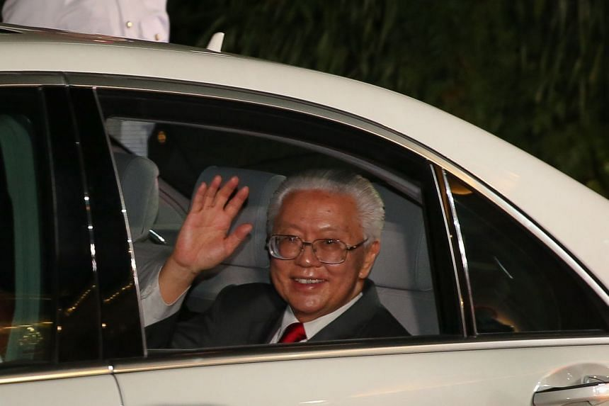 President Tony Tan Keng Yam waving farewell as he left the Istana on Aug 31, 2017 after six years as Singapore's president.