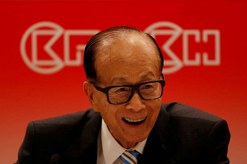 Hong Kong tycoon Li Ka-shing attends a news conference announcing CK Hutchison Holdings company results in Hong Kong, China, on March 22, 2017.