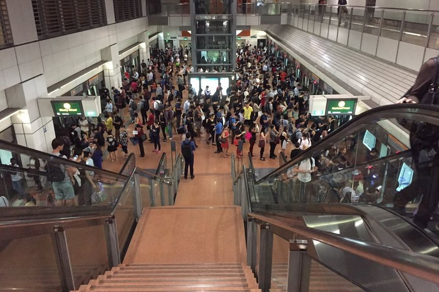 Commuters were affected by a train fault that caused delays on the Circle Line (CCL) on Monday (Sept 11) morning.