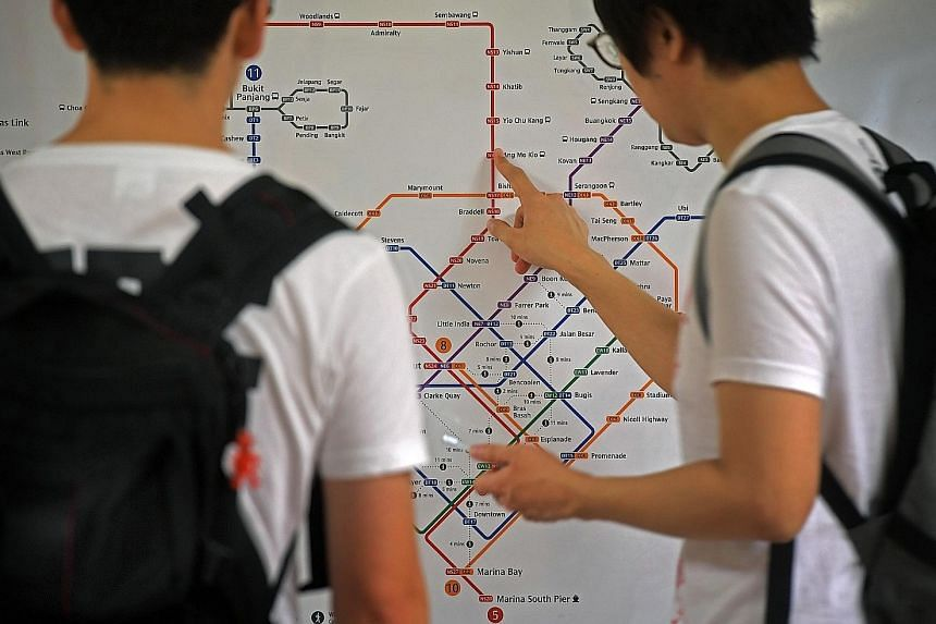 The Land Transport Authority said the new Walking Train Map will be progressively put up at 19 MRT stations. This map shows the walking time between stations on different lines. The timings were derived by conducting walking trials based on Singapore