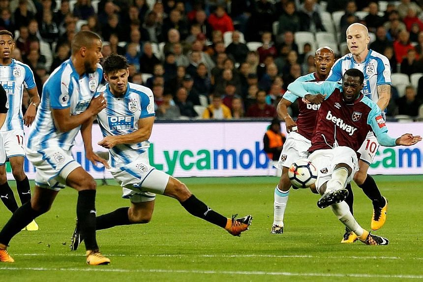 West Ham midfielder Pedro Obiang scoring the opener via a wicked deflection. This was their first home game after three away losses in a row.