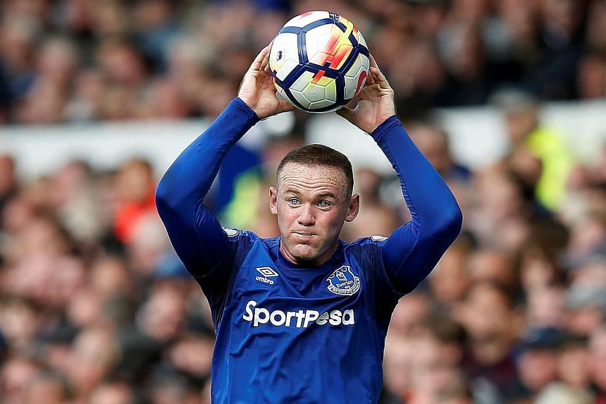 Everton's Wayne Rooney will make his first return to Old Trafford today since his summer move from Manchester United. United manager Jose Mourinho believes that the English forward should get a warm reception.