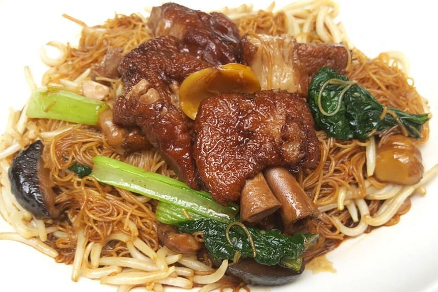Tuck into braised pork trotter bee hoon from Sum Kee Food.