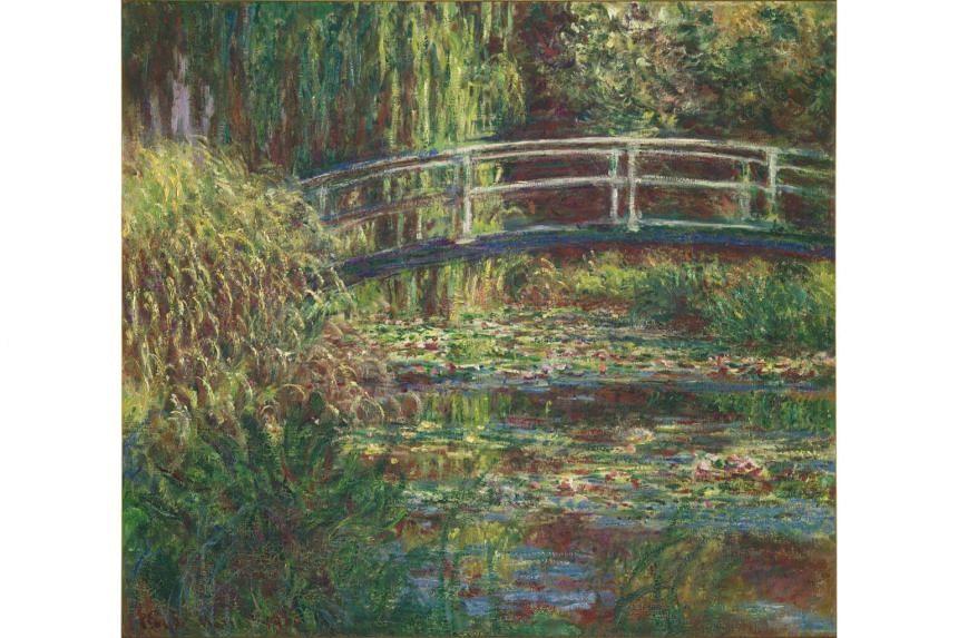 Le bassin aux nympheas, harmonie rose by Claude Monet.