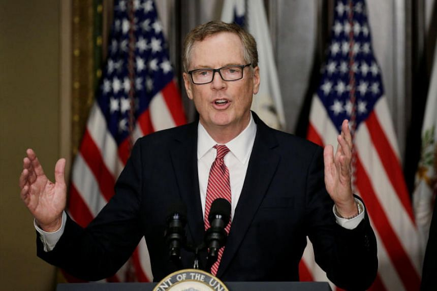 Robert Lighthizer speaks after he was sworn as US Trade Representative on May 15, 2017.