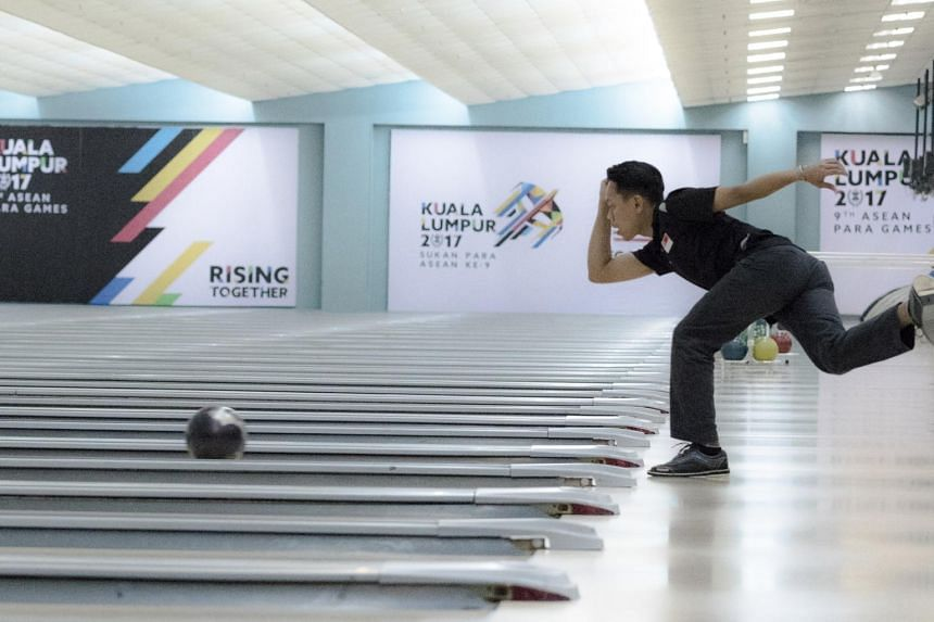 Farhan Ismail wins gold in the TPB4 men's singles event at the Asean Para Games.