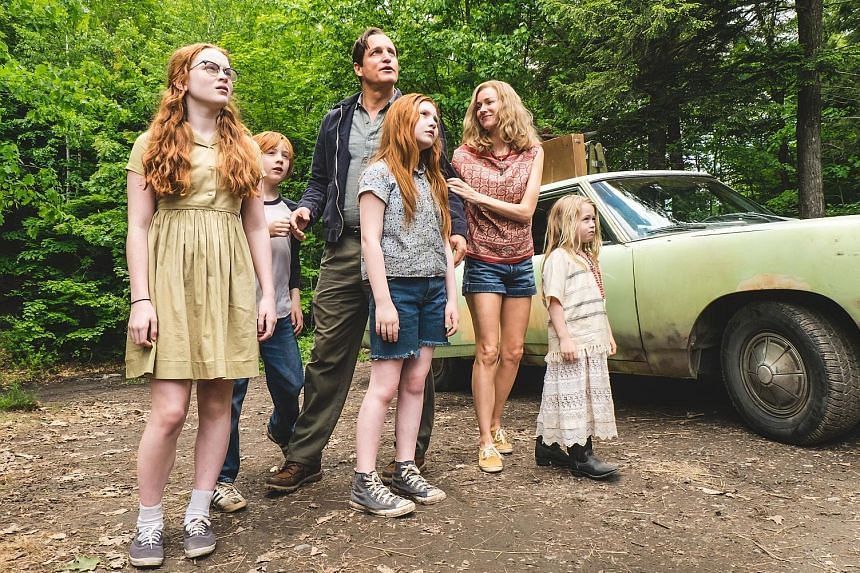 The Glass Castle's (above from left) Sadie Sink, Charlie Shotwell, Woody Harrelson, Ella Anderson, Naomi Watts and Eden Grace Redfield.