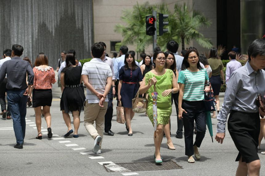 Generic photo of office workers in the CBD during lunch time.