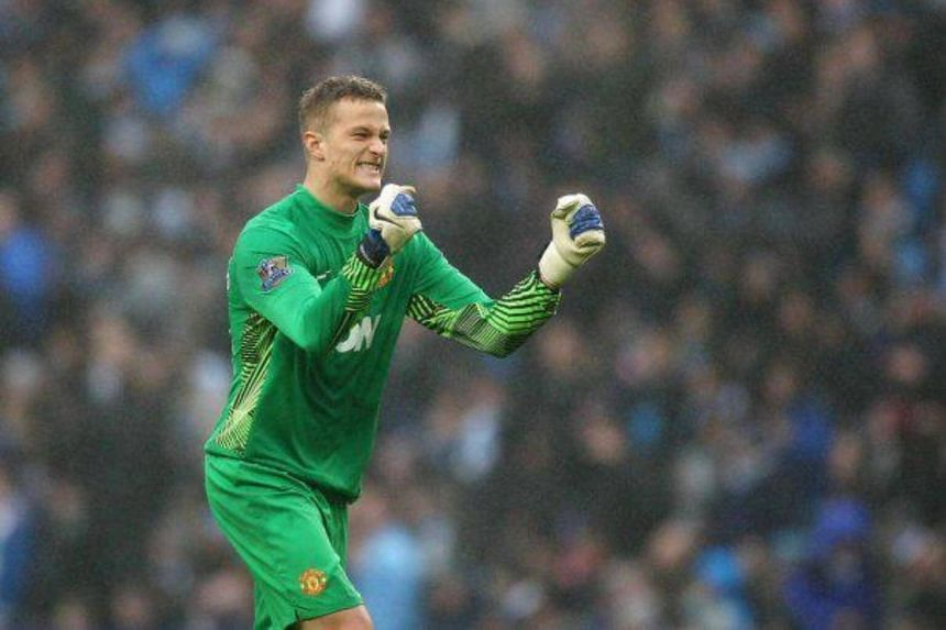 Former Manchester United goalkeeper Anders Lindegaard was a free agent after being released by Preston North End in May and had been training at the club.