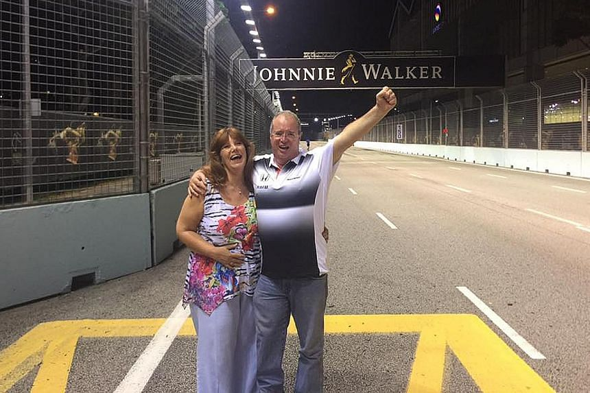 Facebook user Viv Smith has retracted his claim that he bribed a security guard to let him enter the Singapore Grand Prix track.