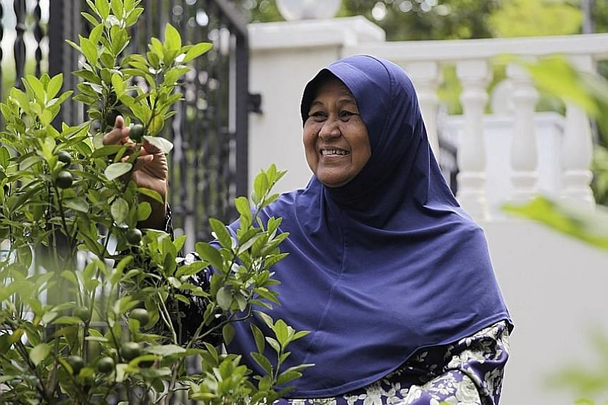 Left: Retiree Saleha Jumat was unsuccessful in growing herbs until she attended a workshop by Carbon InQ's Centre for Nature Literacy and Enterprise. Her mint and lime plants grow well now.