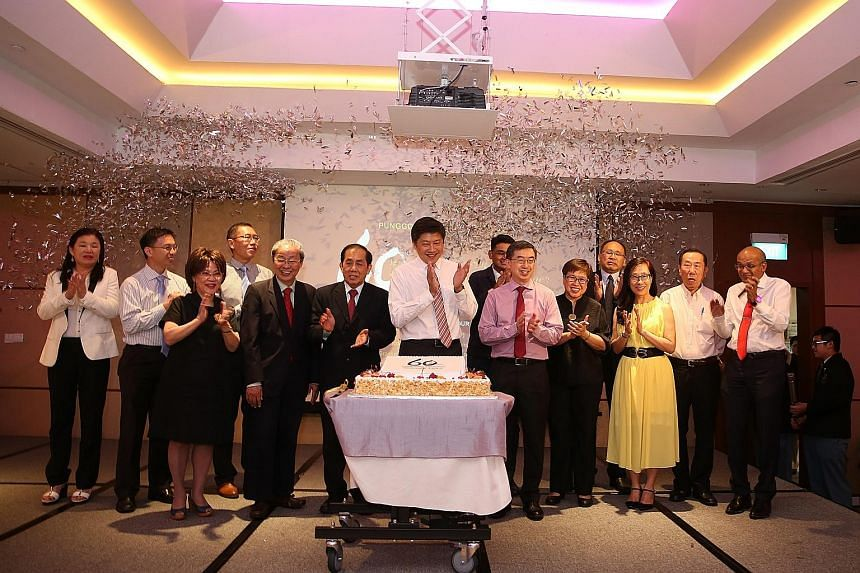 Punggol Secondary School celebrated its 60th anniversary this year with a dinner at Holiday Inn Atrium yesterday. The guest of honour was Minister for Education (Schools) Ng Chee Meng (centre), seen here with the school's principal Benedict Keh (cent