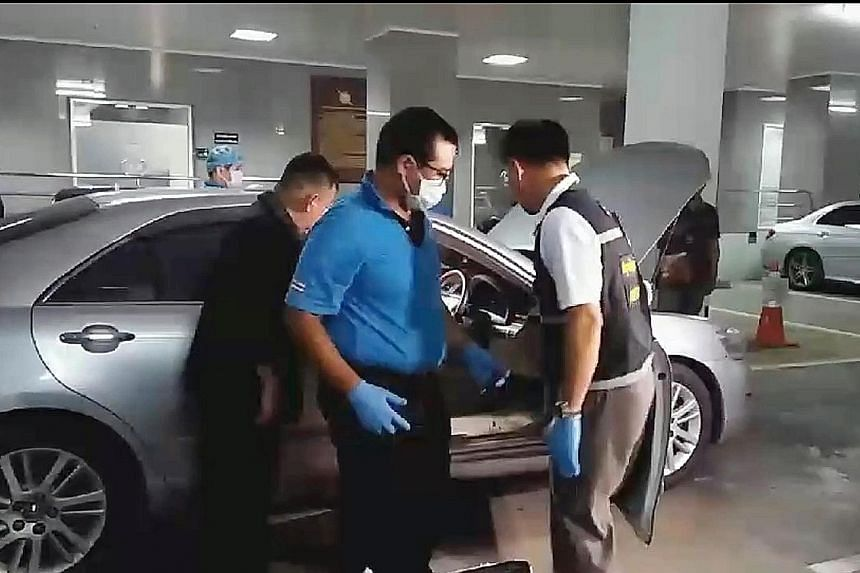 Police looking for evidence in a Toyota Camry believed to be involved in the escape of former prime minister Yingluck Shinawatra. Three police officers were questioned and have admitted to helping drive her to the border.