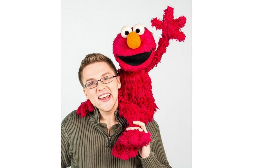 Since arriving in Singapore on Saturday (Sept 23), Elmo and his puppeteer Ryan Dillon have been to Universal Studios Singapore, the National Museum of Singapore and Singapore Zoo.