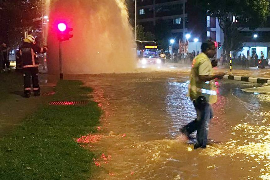 A burst pipe caused water to gush to a level higher than roadside lamp posts in Bukit Batok West last night. In a Facebook post, national water agency PUB said it had received reports of the leak at the junction of Bukit Batok West Avenue 6 and Bukit